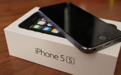 Разница оригинального дисплея iPhone 5s и китайского.
